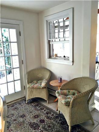 Mid-island, Naushop Nantucket vacation rental - Coffee / cocktail area off kitchen