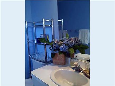 Siasconset Nantucket vacation rental - Hall Bathroom with Tub